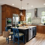 traditional-kitchen-cabinets 11
