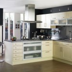 traditional-kitchen-cabinets 24