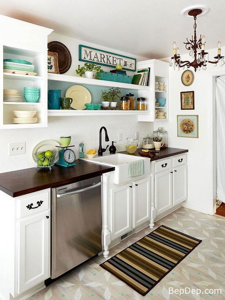 Classic-Small-Kitchen-With-Modern-Touch